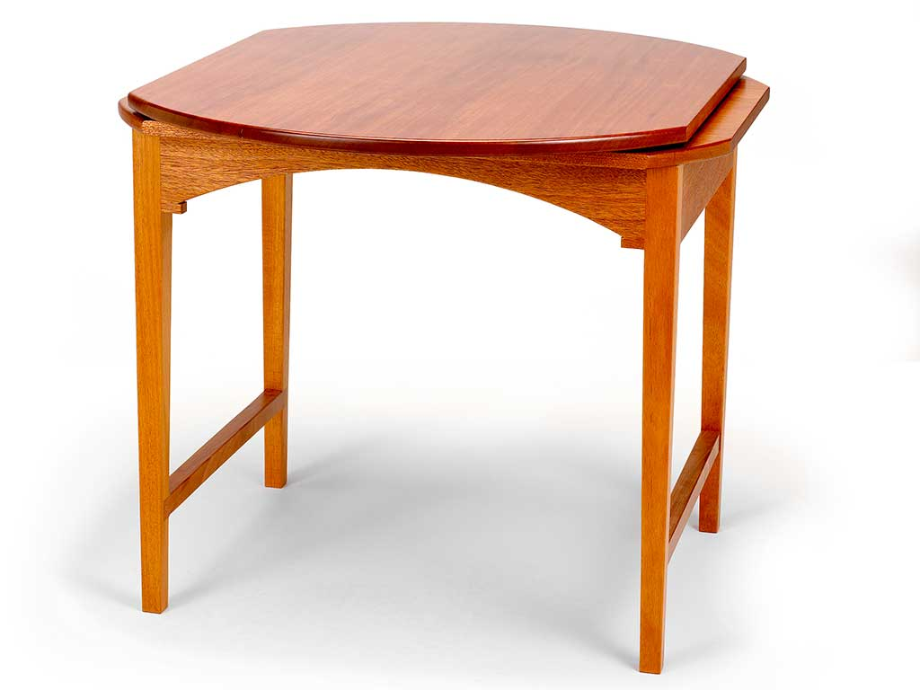 Monticello mahogany Revolving Table®